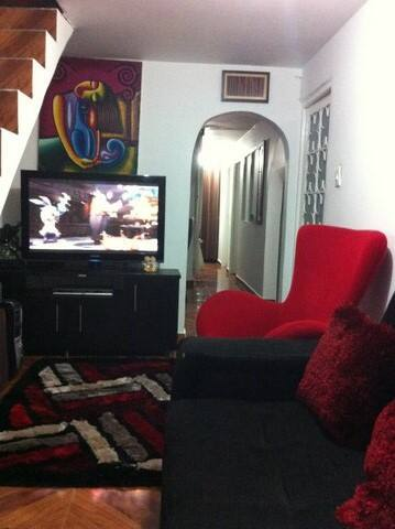 Cuarto economico y acojedor en casa - Bogota - Dům
