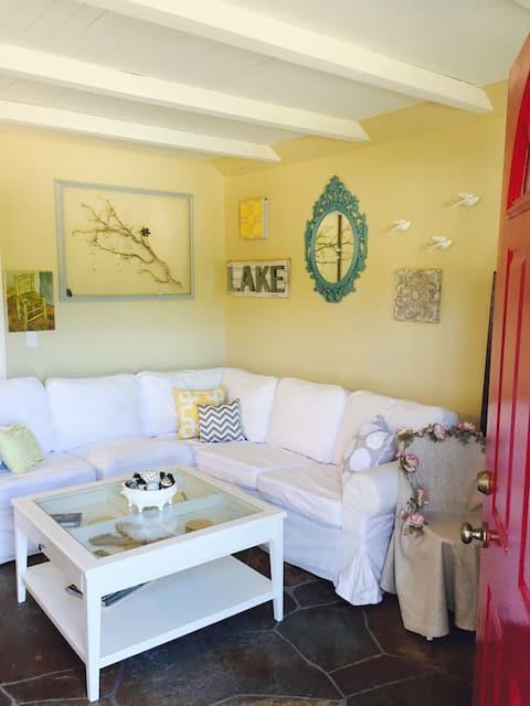 The Little Bird Lodge Sunny Winter Cabin