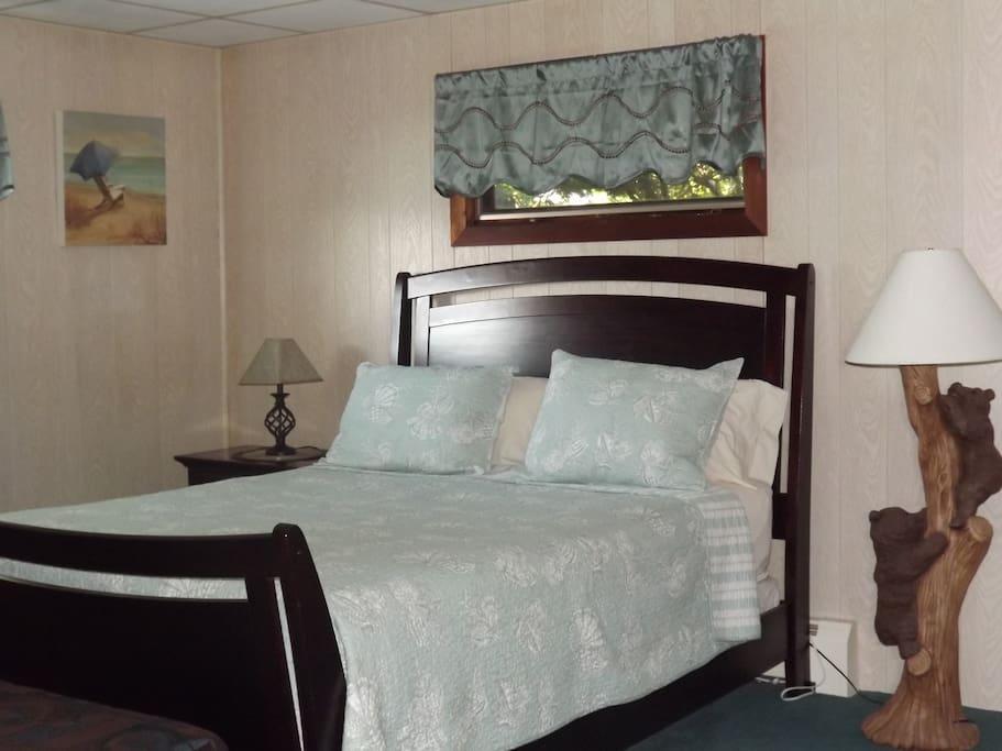 Cottage Queen Bedroom