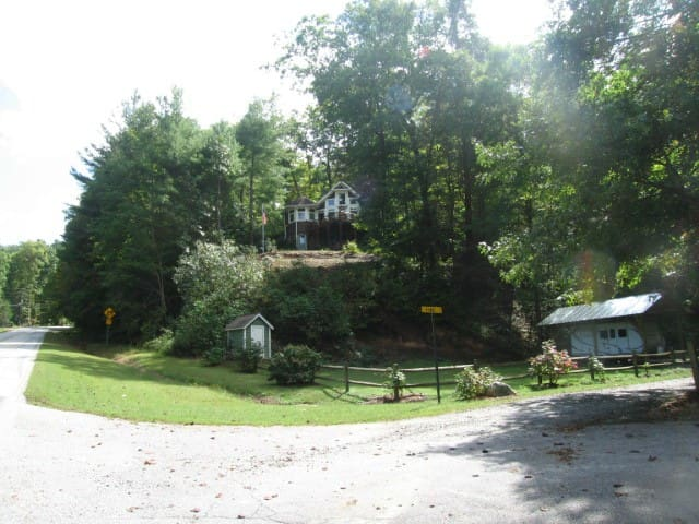 Enchanted Bear Dance Guest Quarters - Clarkesville - Huoneisto