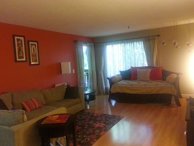 2 BD / BTH CLOSE TO CALTRAIN / VTA - Mountain View - Apartamento