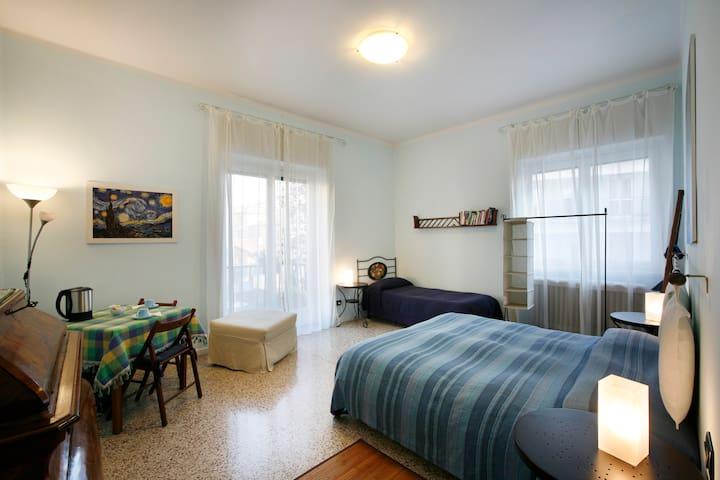 Camera 'blu' di 25mQ, tripla o quadrupla per famiglie