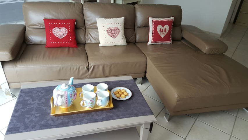 3 chbrs pour famille avec enfants - rochefort  - Huis