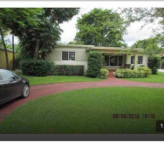 Miami Home-large 3 /2 home-Country Club Community
