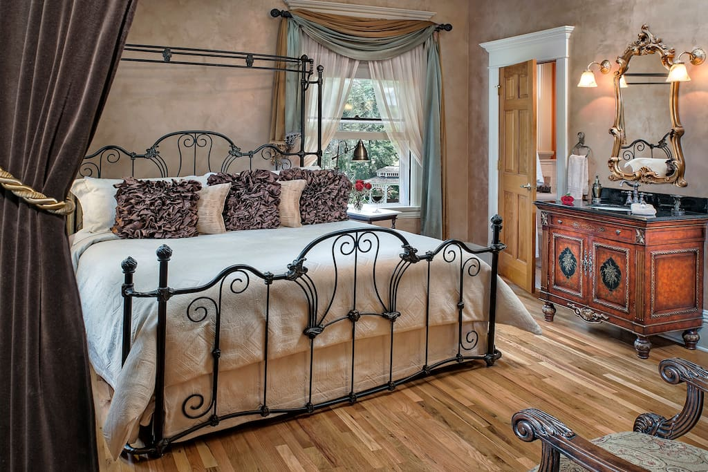 Master Suite at Gibsom