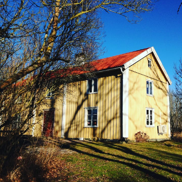 Historical house by Göta canal