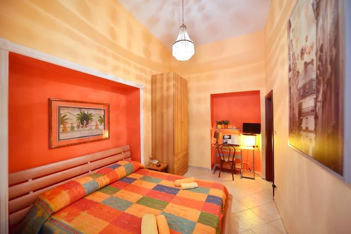 Confortevole matrimoniale sul mare (BIKE SERVICE) - Napoli - Appartamento