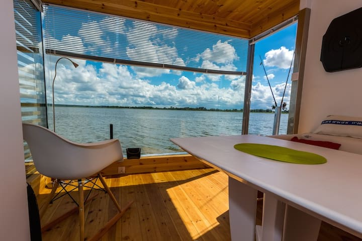 Houseboat HT1 with 1 bedroom and floating terrace