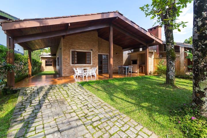 CASA EM CONDOMINIO FECHADO - Ubatuba - House