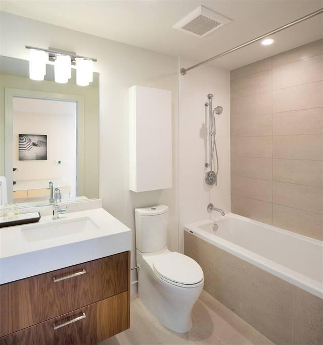 2 Bedroom 2 Bath With Sliding Door Apartments For Rent