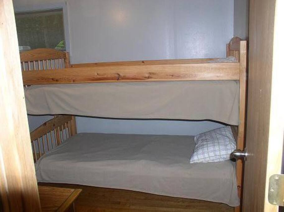 Bunk beds  in the second bedroom