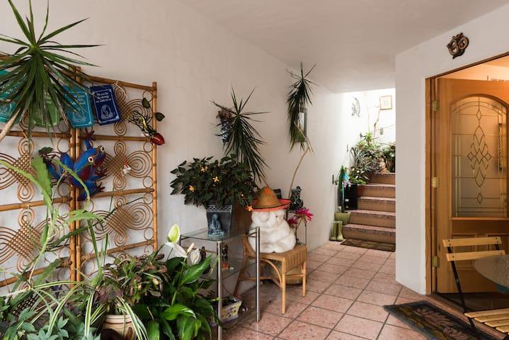 Peaceful studio/ Garden