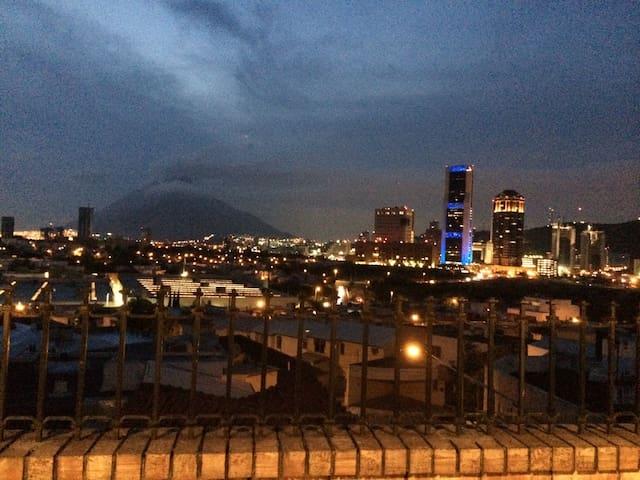 Stunning views, great location! - San Pedro Garza García - Casa