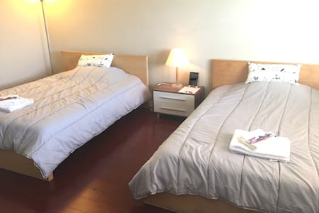 Simple room with 2 Double Beds - Rowland Heights