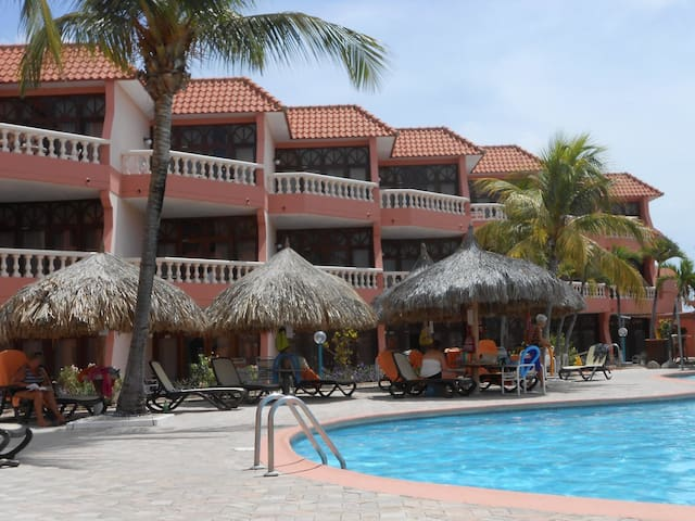 ocean/pool front with balcony - Oranjestad-West - Apartment