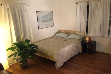 Private room in Trenton - Trenton - 独立屋