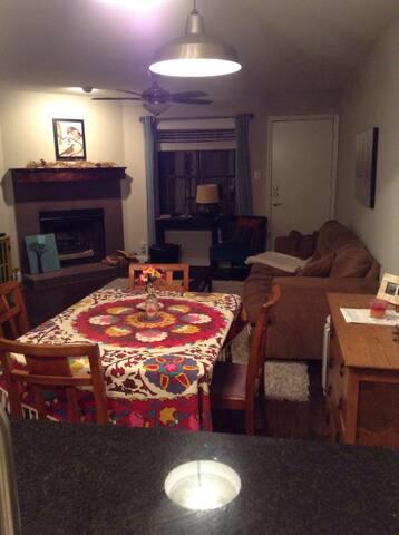 Cozy 1 bedroom 1 bath (10/2-10/4)
