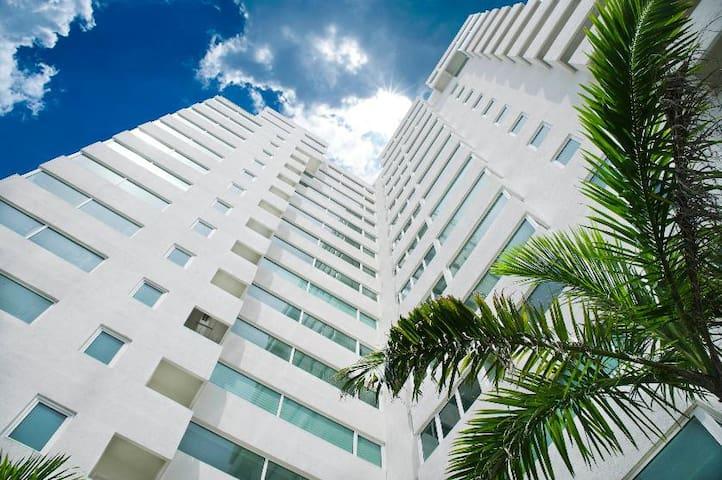 Lujoso, excelente ubicación * - Boca del Río - Apartamento