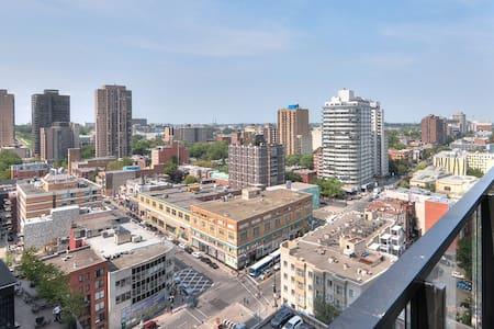 New Downtown Condo  Views & WIFI-08