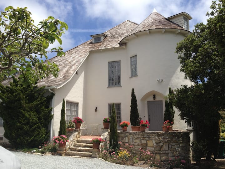 The Cottage Room in Carmel