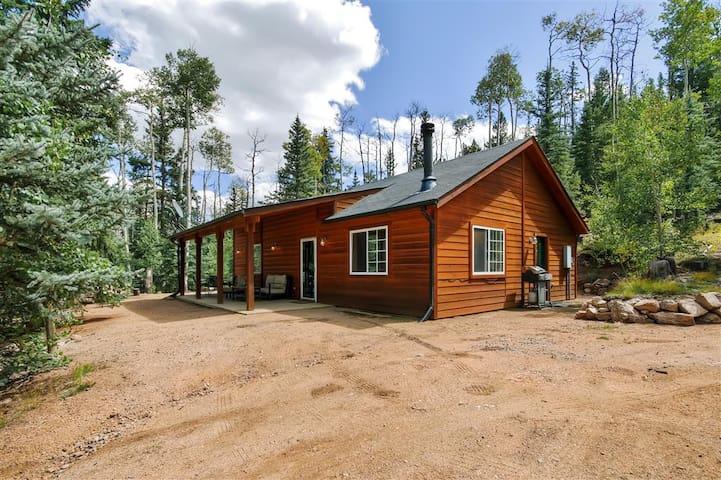 Quiet & Relaxing 2BR Como Cabin - Como - Casa de campo