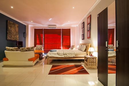 Stunning Fully Furnished Apartment 3