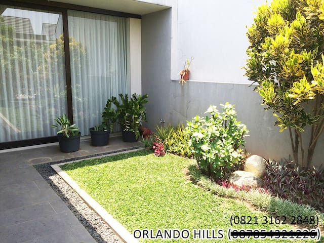 Orlando Hills, Taman Dayu Resort - Pandaan - Ház