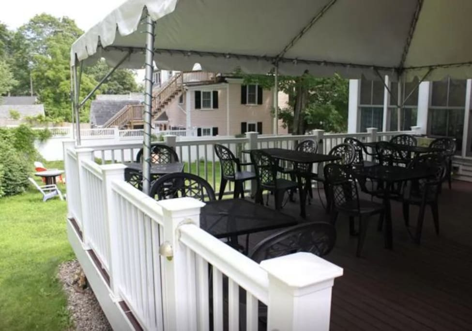 Outdoor dining and drinks (BYOB)