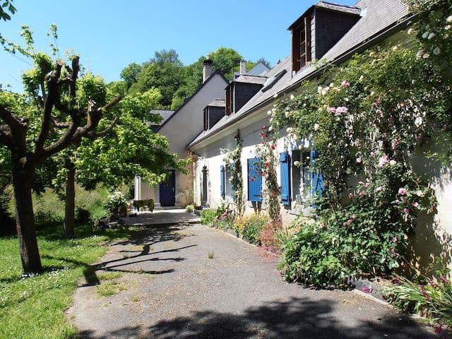 Chambre d'hôtes Jonquille - Artigues - Bed & Breakfast