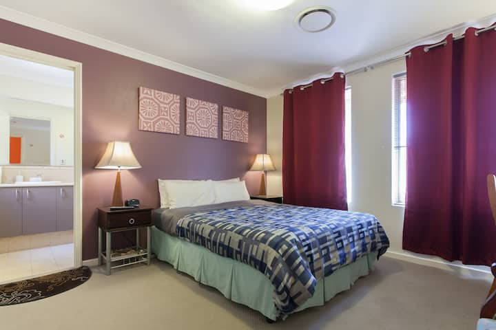 Arcadian BnB Perth - Queen Bed Room