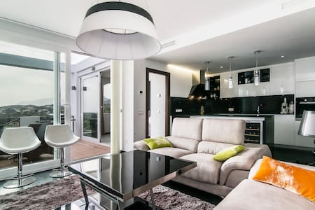 Sweet home with pool close to golf - Benahavís - 公寓