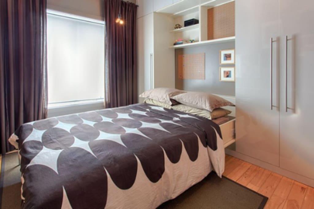 Murphy Bed -