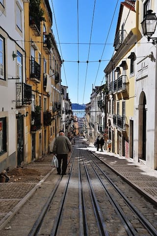 The lovely Rua da Bica nearby has interesting bars and restaurants and a funicular that takes you down to the river front.