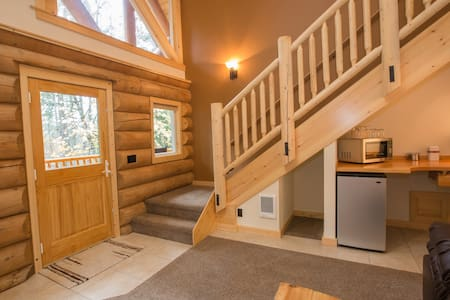 King Bed - Riverside Log Cabin Unit - White Salmon - Cabin