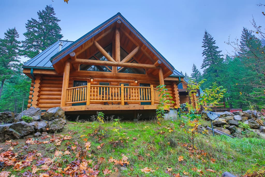 King bed riverside log cabin unit farm stays for rent for Washington state cabins for rent