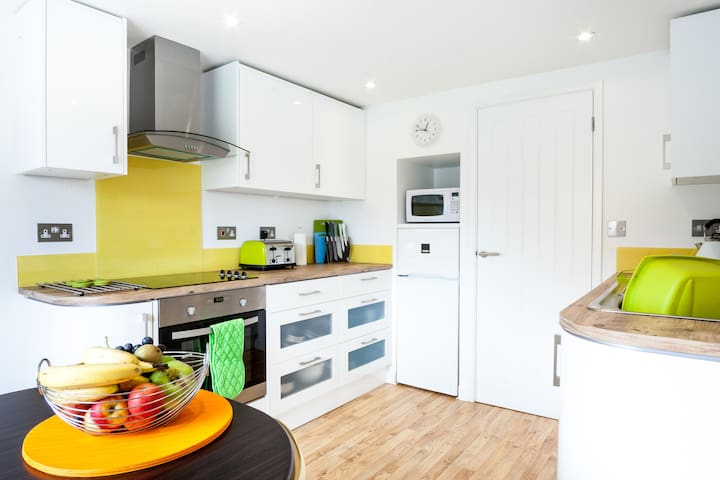 1 Bedroom Apartment nr Mawgan Porth-perfect for 2! - Trevarrian - Pis