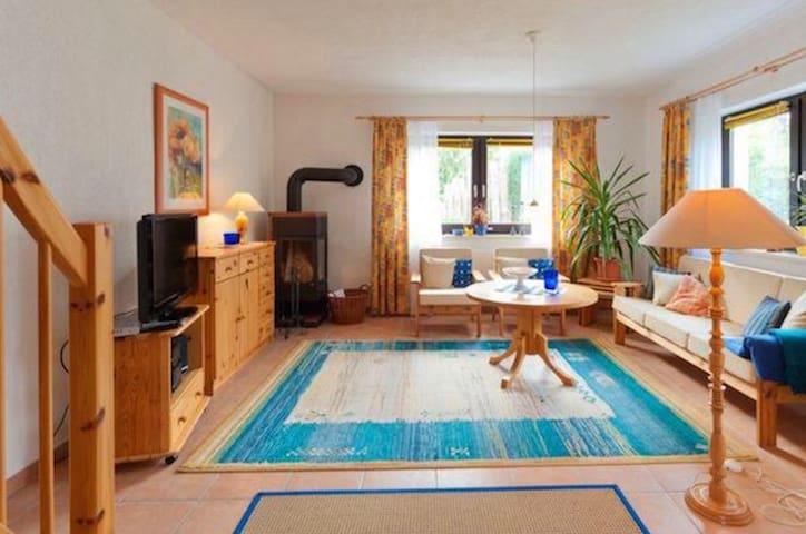 Ferienhaus Fiete in Strandnähe - Dierhagen - Hus