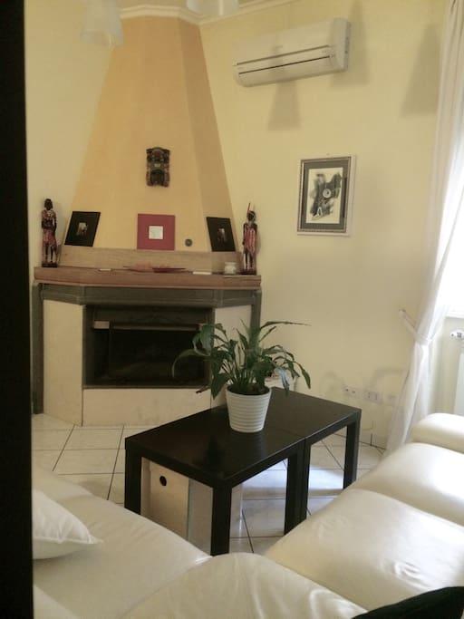 casa vacanze maison du monde case in affitto a la cinquina bufalotta lazio italia. Black Bedroom Furniture Sets. Home Design Ideas
