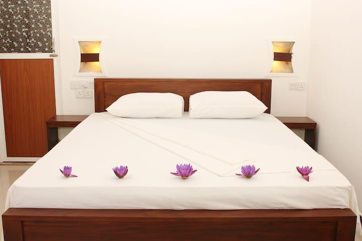 Tinara River Inn Weligama - Weligama - Bed & Breakfast