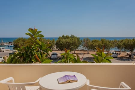 Beach & Mountain, Room w/ a view-2 to 4 PER - Frangokastello - Inny