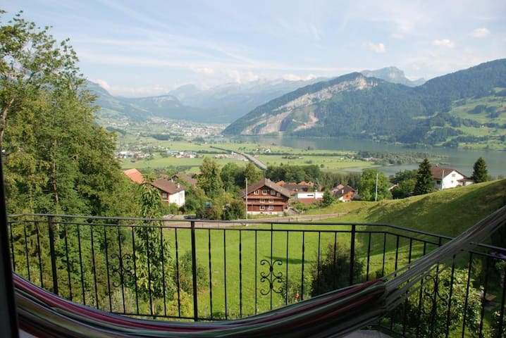 ENJOY THE SERENITY & THE VIEWS NEAR LUCERNE