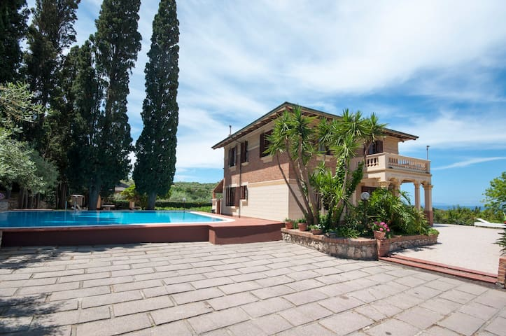 Villa in Sicily in front of Eolian - Messina - Casa de camp