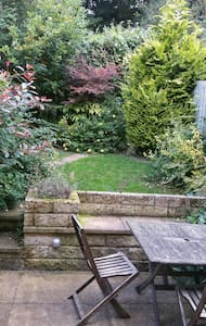 Beautiful double and/or single bed - Sowerby Bridge - House