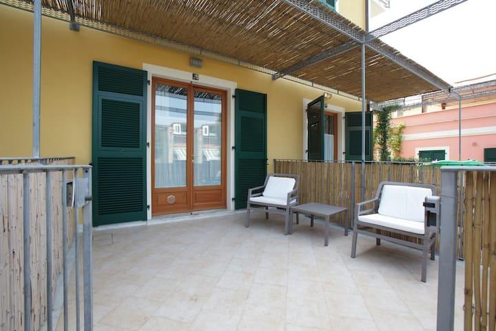 Apartment in the square of Tellaro