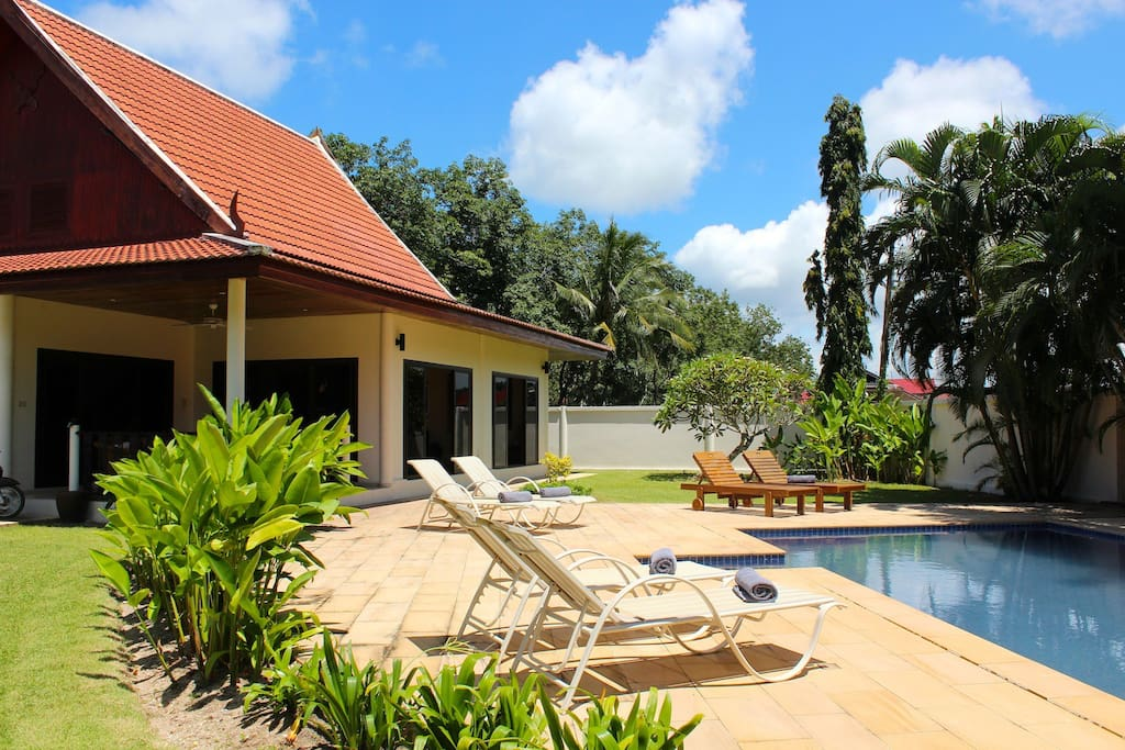 Spacious garden, large swimming pool and only 1km to Rawai Beach