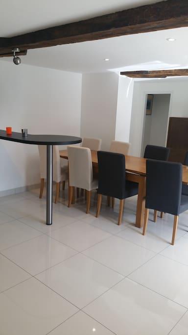 table a mange 8 pesonnes