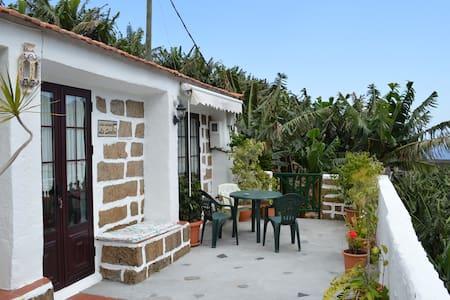 Preciosa casa antigua en Hermigua - El Tabaibal