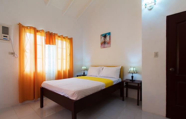 Celvis Vacation Cottages - Panglao - Ev