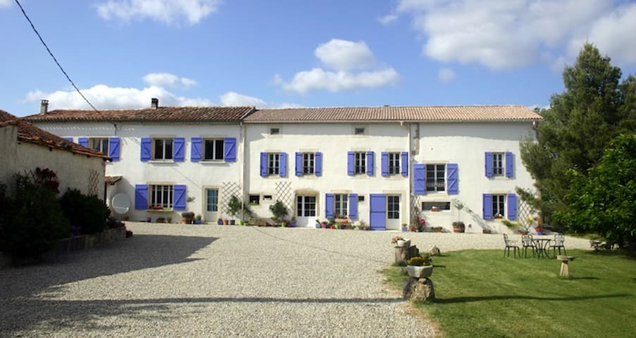 Polfages, ideally located to make the most of the South West of France