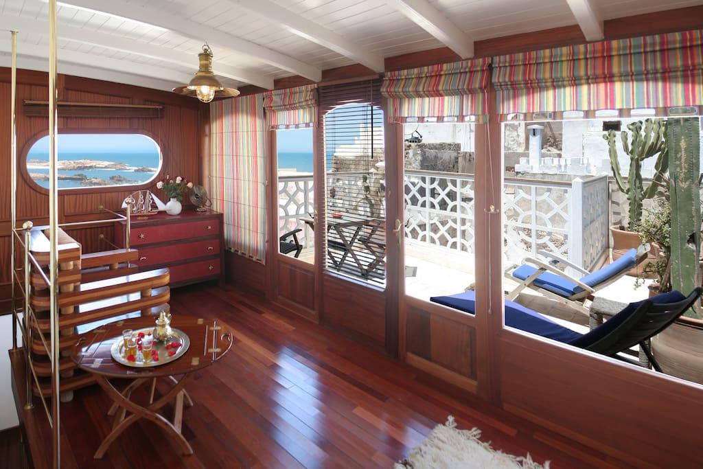 Salon et terrasse privée